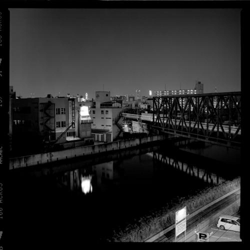 鉄橋と河川と街並みと