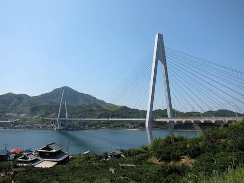 生口橋 生口橋までがんばって上ります 登り切ると瀬戸内の島々がよく見えます。 ... 向島~生口