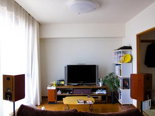 TVボードと本棚